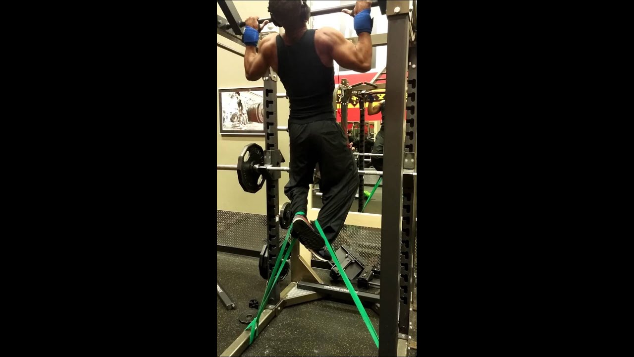 Pullups w Rogue Monster Bands