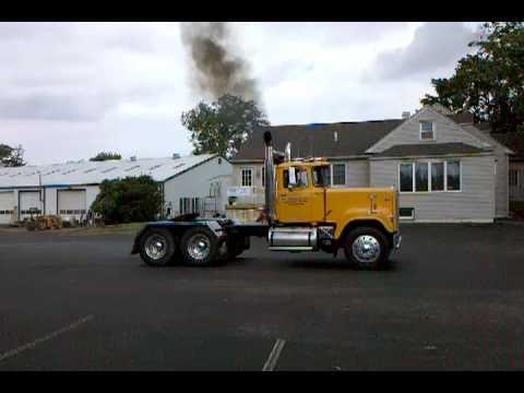 1985 Mack Superliner V8 Take Off 8 Inch Stacks Youtube