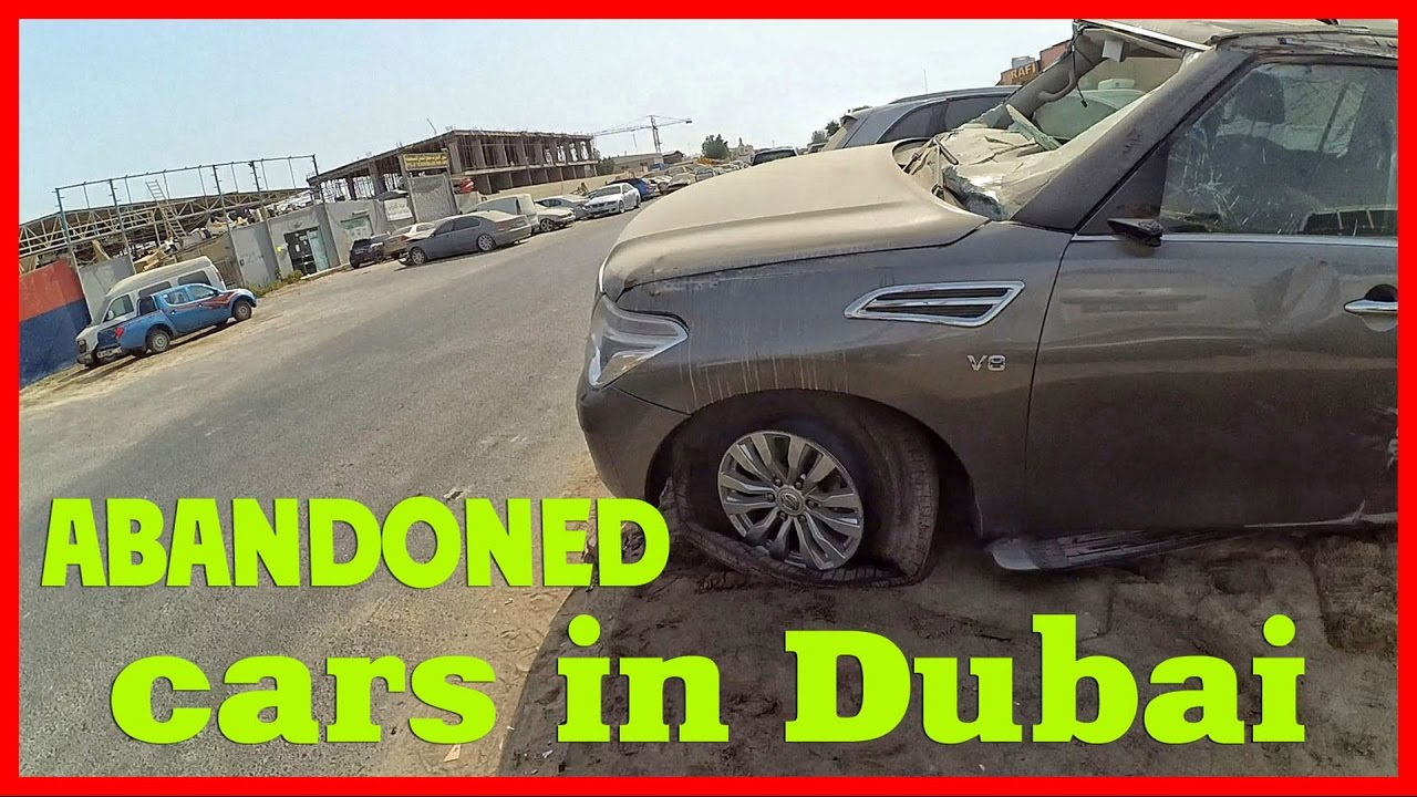 Abandoned wrecked cars in Dubai. United Arab Emirates abandoned cars ...