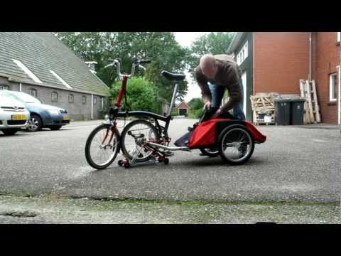 Brompton With Trailer Doing Groceries