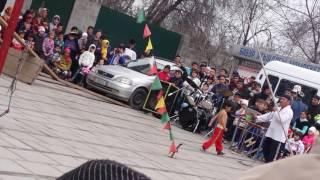 Канатаходец Лочинбек в городе Ош