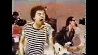 UK Subs - Party in Paris (clip HQ sound)