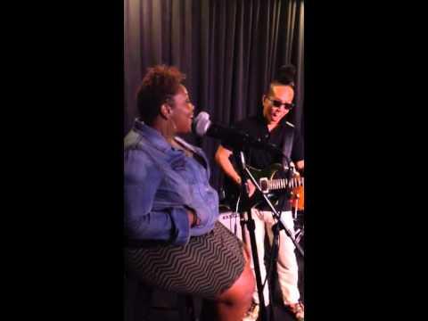 Rona Rawls singing
