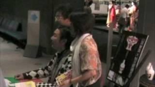 8月に江戸博物館での山本寛斎さんのサイン会。 寛斎さんの人の良さが出...