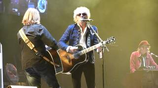 Mott the Hoople - All the Young Dudes (O2 Arena, London, England, 18.11.2013)