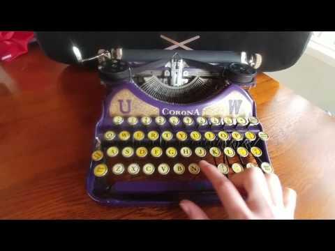 LC Smith & Corona Typewriters Inc. University of Washington Vintage Typewriter