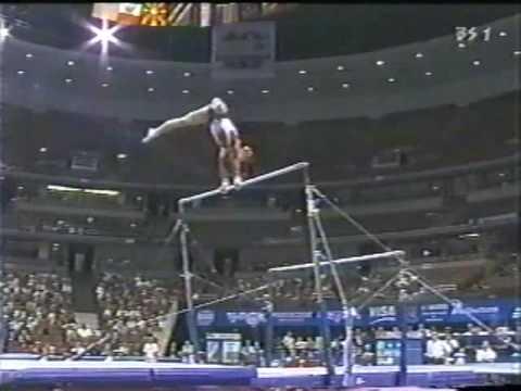 Courtney Kupets 2003 Worlds Prelims Bars