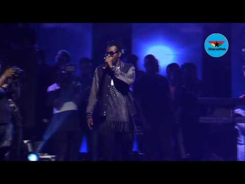 Ashaiman to Da World: Kwaw Kese pulls crowd as fans sing along to his music