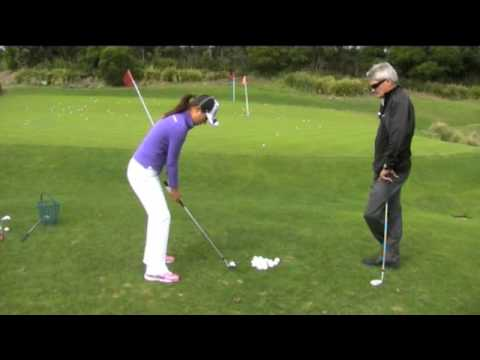 Steve Bann & Hee Young Park work on chipping & pitching