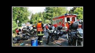 81-Jährige fährt ungebremst in eine Gruppe von Motorradfahrern