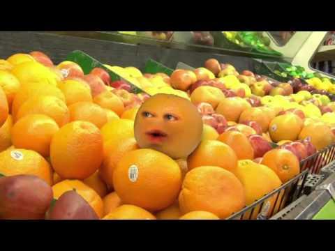 "Fred goes to the supermarket - The Annoying Orange - ""Noc noc!"""