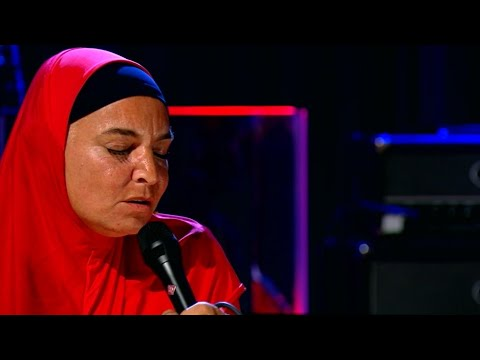 Sinead O'Connor 'Rainy Night in Soho' | The Late Late Show | RTÉ One