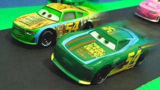Disney Cars 3 : Herb Curbler & Tommy Highbanks Racing! - StopMotion