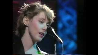 SUZANNE VEGA-SMALL BLUE THING-OGWT-BBC 2-1985