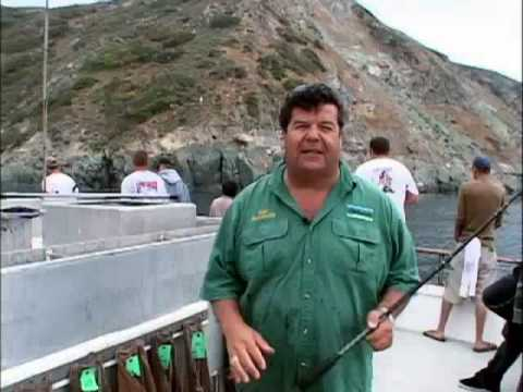 Dan hernandez on how to pin on a live squid on a b 52 for Sport fishing with dan hernandez