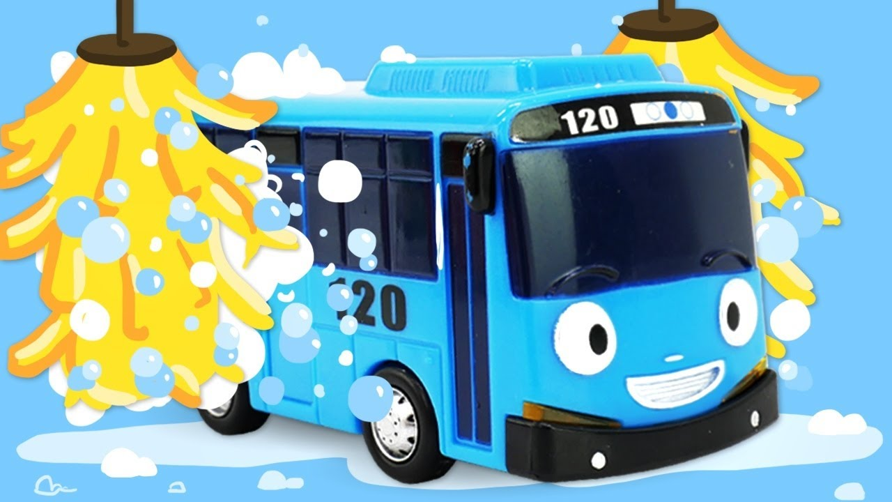 Tow truck and Tayo at the car wash - Car video for kids.