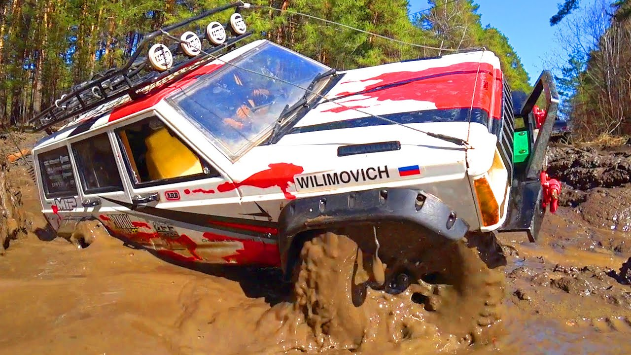 RC Cars MUD OFF Road — Mercedes-Benz 6x6 G63 AMG v Jeep Cherokee — Wilimovich
