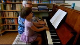 Лемешкина Марианна. 3 года 11 месяцев. Три джазовых ансамбля (фрагмент урока)