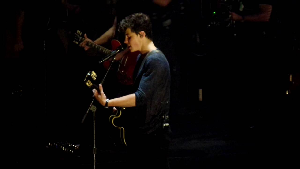 Shawn mendes don 39 t be a fool live at madison square garden youtube for Shawn mendes live at madison square garden