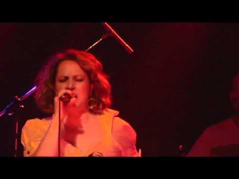 "David AMATO : ""Piensa en mi"" (theme from ""Tacones lejanos"") from YouTube · Duration:  4 minutes 19 seconds"