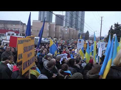 Kontakt TV: Pro-European Union Protest at Consulate General of Ukraine in Toronto -December 1, 2013