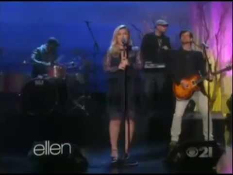 Download [MQ] Kelly Clarkson - Heartbeat Song (The Ellen DeGeneres Show, April, 2015)