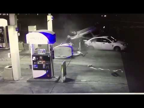 SUV crashes into Federal Way gas station