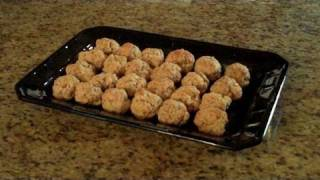 Sausage & Cheese Balls - Lynn's Recipes