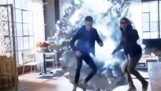 Supergirl Meets the Flash and Cisco -   Crossover Part 1 (Invasion / Medusa)