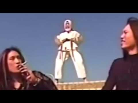 Sex Machineguns Noisy Teaches Scorpion Death Rock !