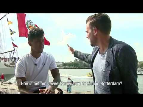 Renato Tapia bezoekt Peruaans marineschip BAP Unión in Rotterdam