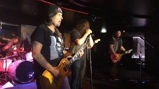 """""""Get on your Knees"""" Phil Campbell and the Bastard Sons 10/28/18"""