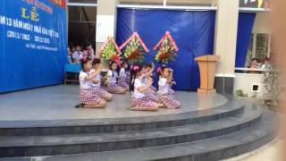 Múa : Ơn thầy thầy của chúng em! ( CAO VAN NGOC)
