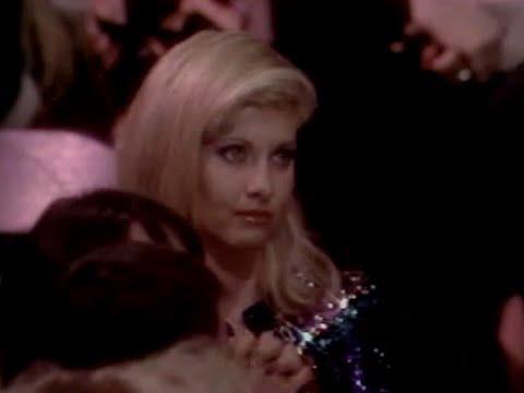 Download Olivia Newton-John • People's Choice Awards (1979.03.07)