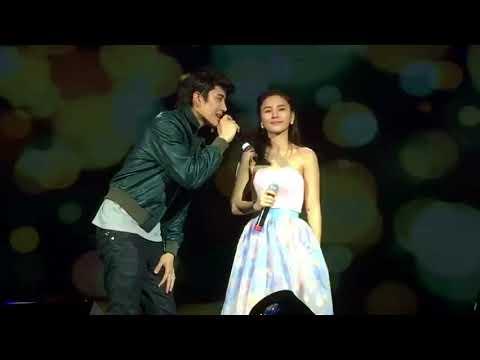 Aom & Mike現場演唱《有點甜》,簡直甜哭了!