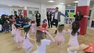 Принц Гарри побывал на уроке балета для детей