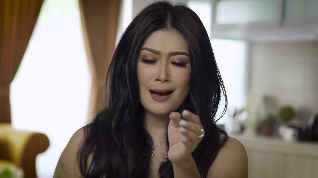 Rere Reina - Ruang (Official Music Video)