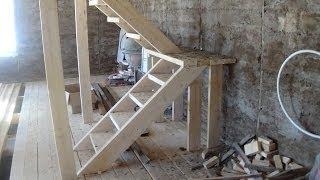 видео Лестница на крышу дома своими руками из дерева