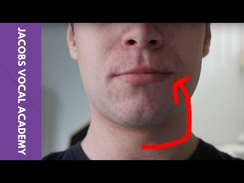 How to do the lip roll - Singing tip #3
