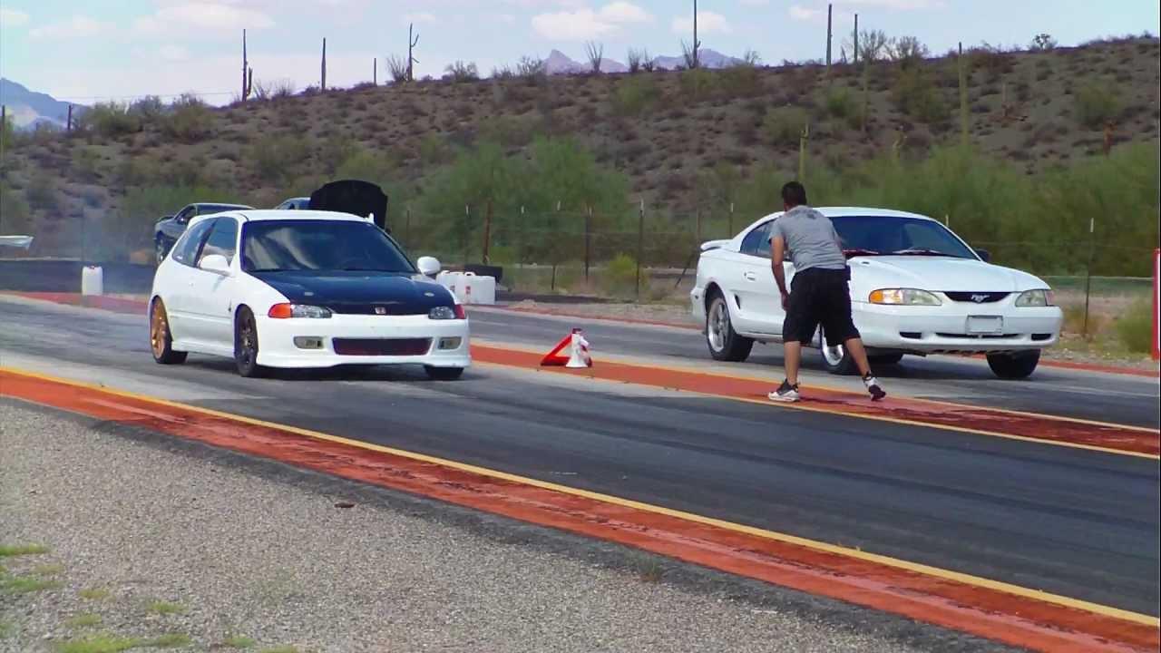 Camaro Vs Mustang >> Honda civic hatchback b18 vs mustang GT pista hermanos duarte sonoyta sonora arrancones carreras ...
