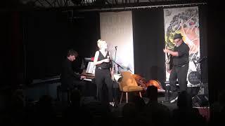 """Kitty Hoff - """"Richtig und Falsch"""" live @ Neue Kammerspiele Kleinmachnow 19.10.2018"""