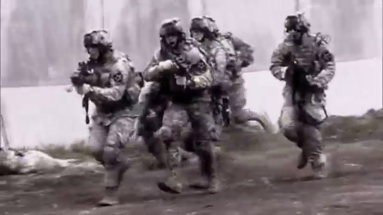 US Army RECON Maintaining Situational Awareness