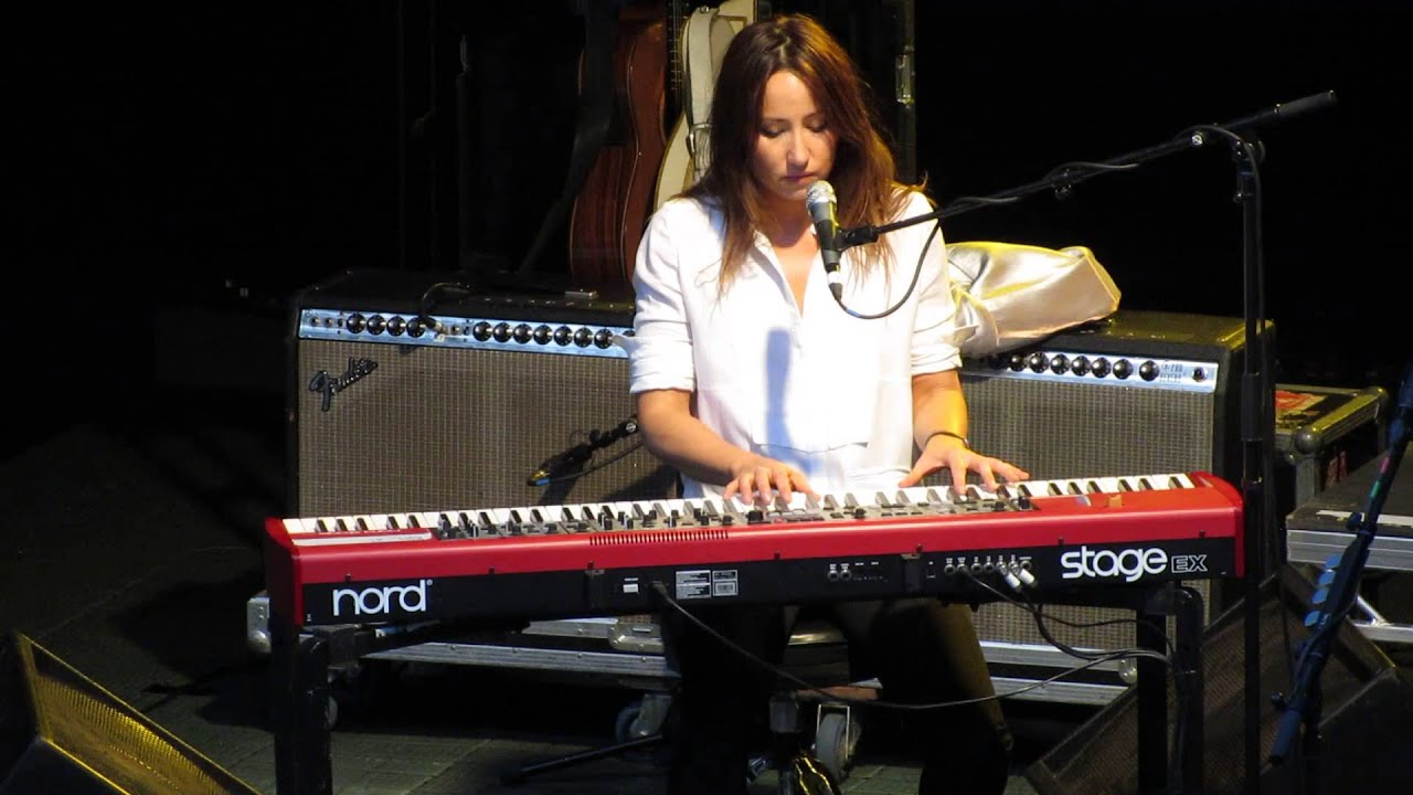 Kt Tunstall Yellow Flower Gawsworth Hall 19 7 2013 Youtube