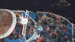 CS Caprice операцию на море по спасению людей(Больше морского видео: https://vk.com/cvget ▫▫ Основную часть пострадавших в кораблекрушении мигрантов спасают..., 2015-03-19T12:24:30.000Z)