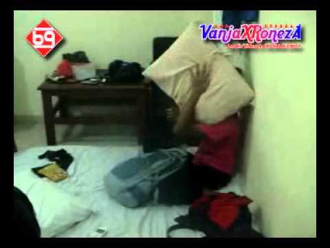 Mengintip Gadis SMP  Di Kamar Hotel