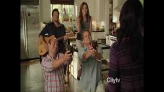 Cougar Town - Jules slightly longer morning routine song