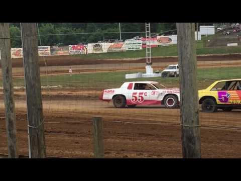 6-17-17 Bomber Heat Race 1 at Lincoln Park Speedway