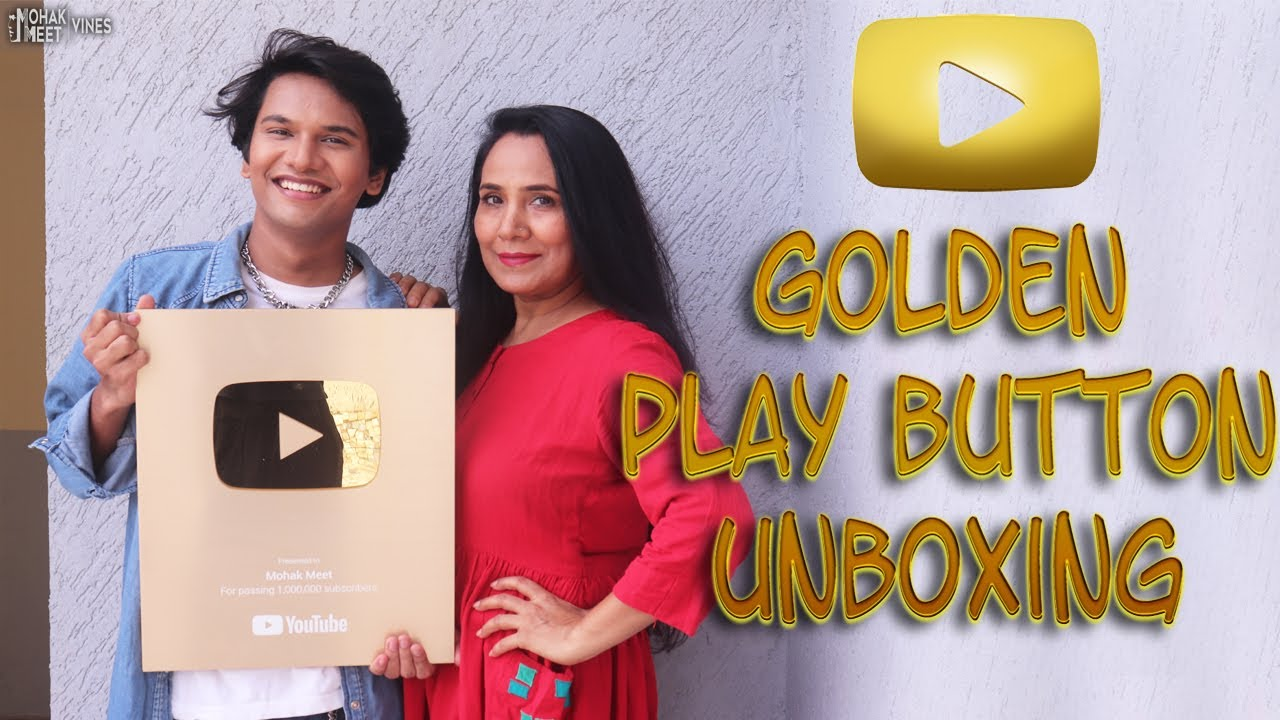 YOUTUBE SENT US GOLDEN PLAY BUTTON 🔥 | UNBOXING GIFT FROM YOUTUBE || MOHAK MEET VINES
