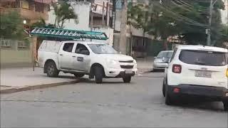 AUTOMÓVEIS PASSANDO E COMECEI A REFLETIR