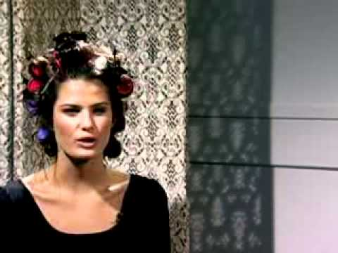 Isabeli Fontana - Interview H&M Lingerie Shoot